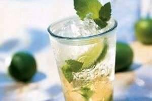С чем пить ром: популярные коктейли