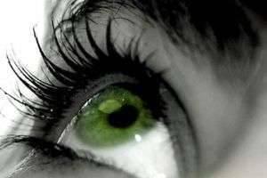 Какой цвет волос подойдет к зеленым глазам: советуют стилисты