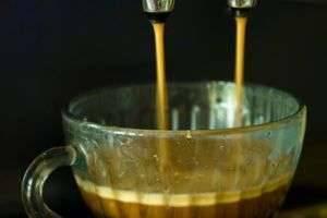Как выбрать кофеварку для дома — виды кофеварок, преимущества и недостатки капсульной, на что обратить внимание при выборе