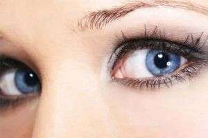 В поисках красоты: какой цвет волос подходит к серо-голубым глазам?