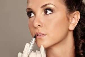 Сделать татуаж губ и получить прекрасный эффект от процедуры совсем несложно