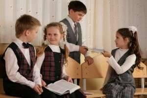 Школьная форма и нюансы, касающиеся ее