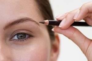 Как правильно красить брови карандашом