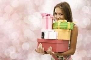 Как подобрать подарок девушке на 8 марта