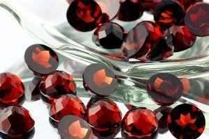 Камень гранат: магические свойства и легенды