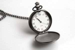 Можно ли дарить часы на день рождения: приметы и суеверия