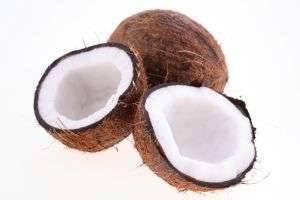 Как открыть кокос нестандартными, но весьма действенными способами