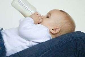 Как отучить ребенка от бутылочки, а также зачем и когда это делать