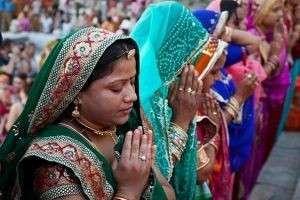 Какие религии распространены в Индии, и какие их них возникли в этой стране?