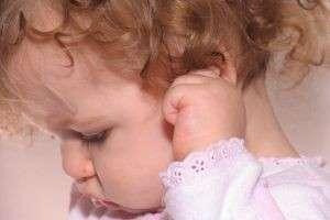 Рвота у ребенка, что делать до приезда медиков