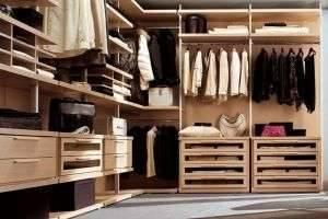 В шкафу появился неприятный запах? Как избавится от запаха в шкафу?