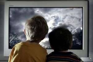 Какую выбрать диагональ телевизора для комфортного просмотра?