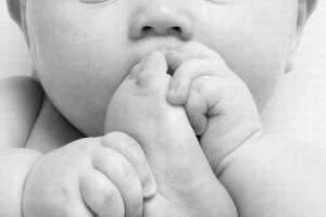 Вашему малышу от 0 до 4 лет. Вы знаете, что запрещено делать родителям до прихода врача?