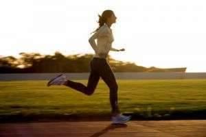 Утром или вечером — когда лучше бегать. Выбираем лучшее время для занятий