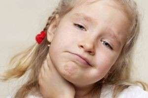 Почему у ребенка воспаляются лимфоузлы на шее, и как это лечить?