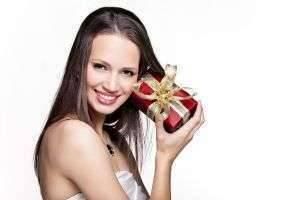 Что подарить подруге на Рождество: личное, самодельное, креативное
