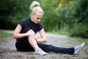 После бега болят колени: методы борьбы с неприятными ощущениями