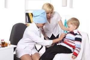 Родителям важно знать, с каких симптомов, как начинается ветрянка у детей, и уметь отличать ее от обычной простуды!