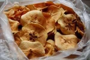 Заготовки на зиму: как сушить яблоки в духовке