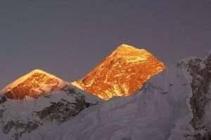 Где находится Эверест, третий полюс Земли?