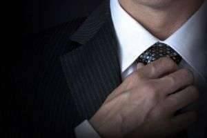 Простой способ завязать галстук: три основных способа