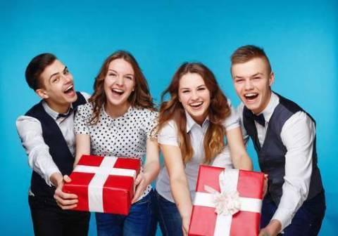 Что подарить на День студента: разные студенты  – разные предпочтения