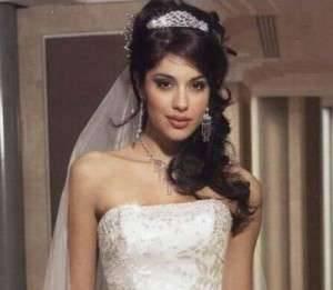 Прическа невесты на распущенные волосы