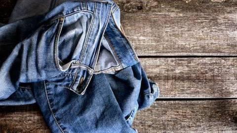 Как очистить мазут с джинсов?