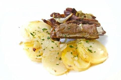 Как приготовить баранину с картофелем в духовке?