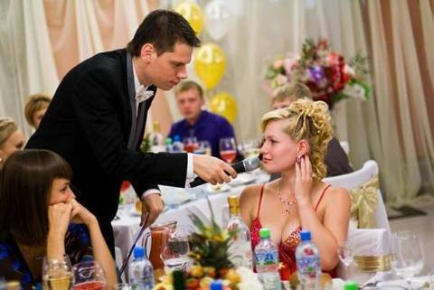 Как правильно выбрать тамаду на свадьбу?