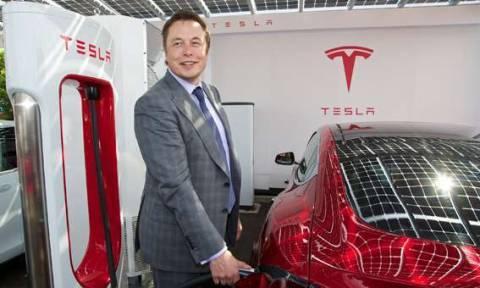 Как заряжается автомобиль Тесла?