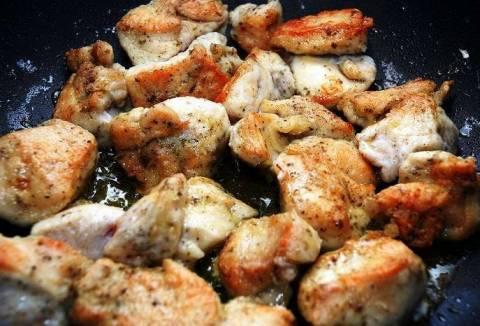 Куриное филе: рецепты на сковороде кусочками