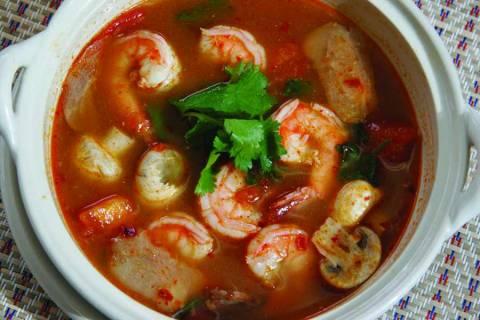 Приготовление супа Том-Ям