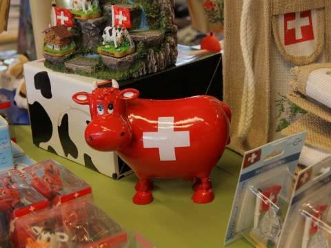 Сувениры из Швейцарии: 10 идей для подарка