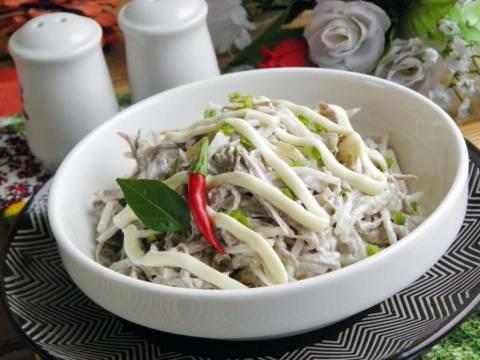 Вариации салатов из редьки с говядиной