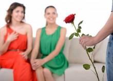 Мужчина мечется между двух женщин: что делать и можно ли изменить ситуацию?