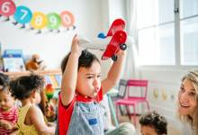 Раннее развитие ребенка с рождения: какие есть методики и что они дают?