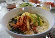 Летняя экзотика: рецепты корейских холодных супов