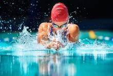 Правила и рекомендации: как научиться плавать брассом?