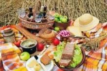 Что нужно взять на пикник: еда, снаряжение и предметы первой необходимости