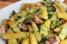 Как пожарить картошку с грибами: быстрое и вкусное блюдо