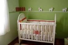 Советуют специалисты: как выбрать кроватку для новорожденного