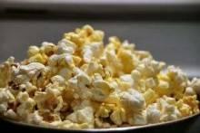 Как приготовить попкорн в домашних условиях: в микроволновке, на сковороде, соленый сладкий и с карамелью