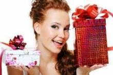 Что нельзя дарить на день рождения мужчинам и девушкам: приметы, суеверия, стереотипы