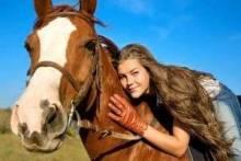 Где катаются на лошадях в Москве и Санкт-Петербурге?