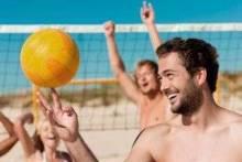 Всё о пляжном волейболе: правила игры, размер площадки, сетки
