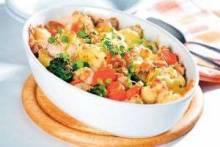 Запеченная картошка с овощами (помидорами, кабачками, чесноком)