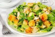 Салат с отварной куриной грудкой: советы от опытных поваров