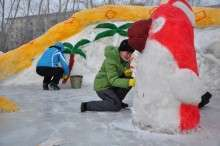 Снежные скульптуры: детские развлечения зимой