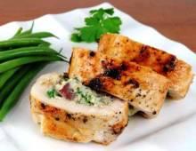 Куриное филе фаршированное сыром на сковороде: интересные рецепты